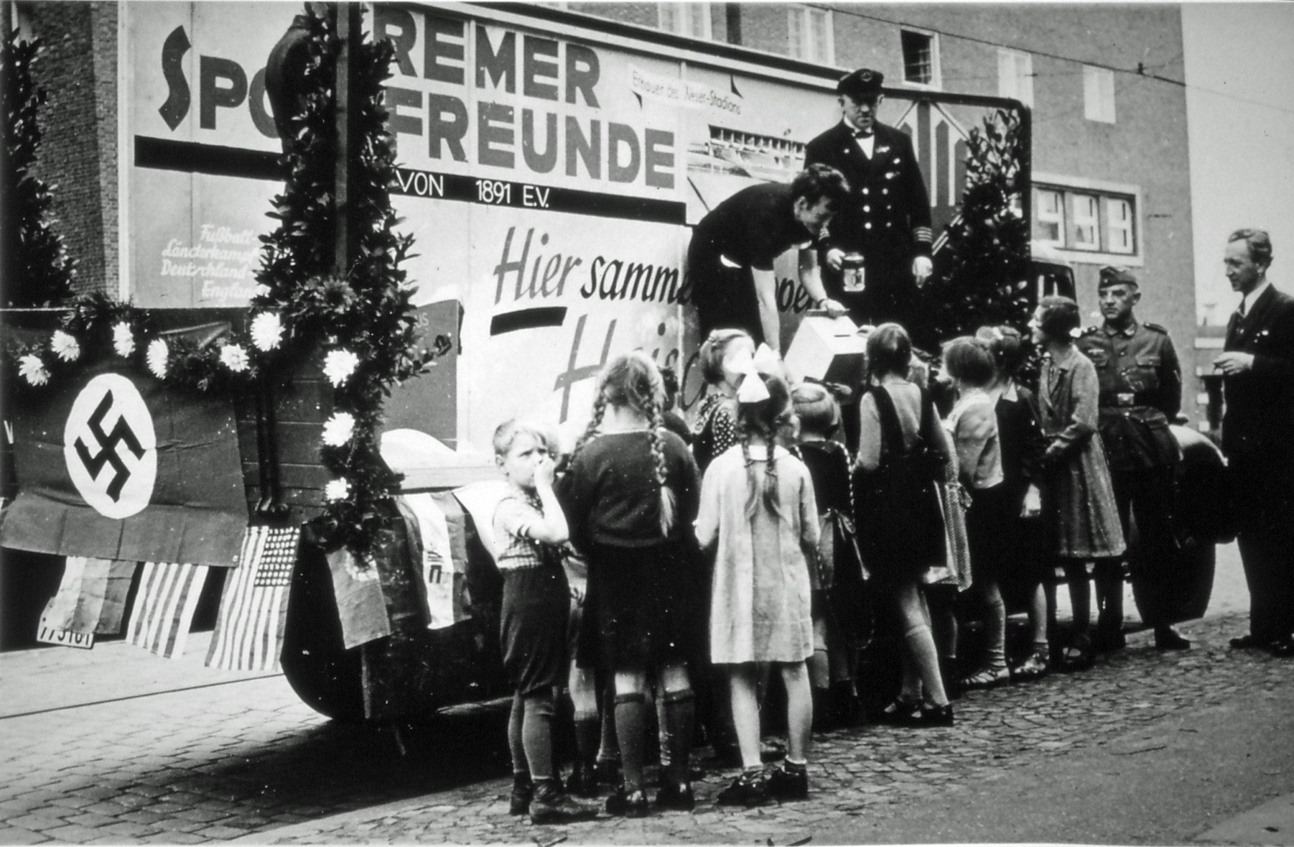 Sammlung des NS-Winterhilfswerk 1941