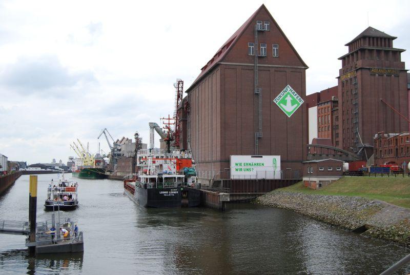 Am Hafen der Überseestadt